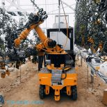 AGV with robot on top for picking up tomatoes :: DTA