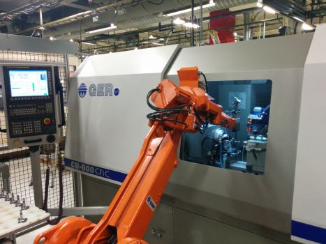 CNC grinding machine with automated loading and unloading GER