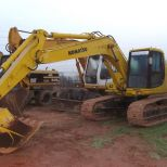 Crawler excavator :: KOMATSU PC200 EL