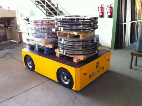 Electric self-propelled trailer DTA