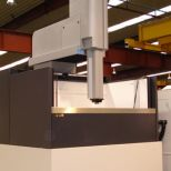 Electrical discharge machine with 1000 mm Z-axis travel :: ONA NX7