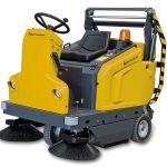 Industrial ride on sweeper :: KRUGER B1300G - B1300E