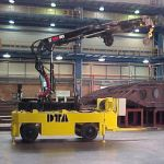 Industrial trailer with crane :: DTA
