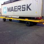 Industrial trailer for handling containers :: DTA