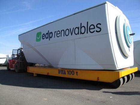 Industrial trailer for handling nacelles DTA
