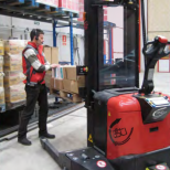 Picking system with AGV :: ASTI PICK & GO