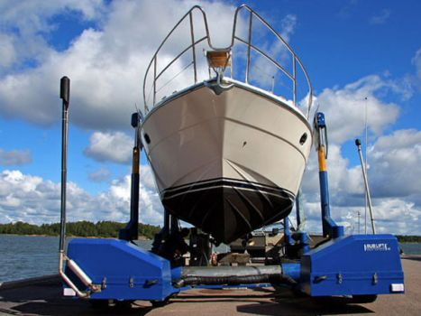 Submersible boat hoist SUBLIFT